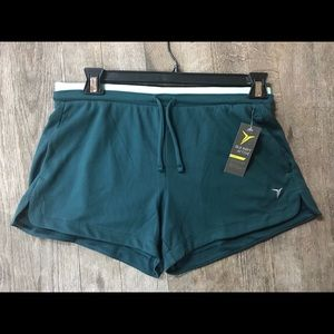 NWT Old Navy Activewear Size M Comfy Shorts